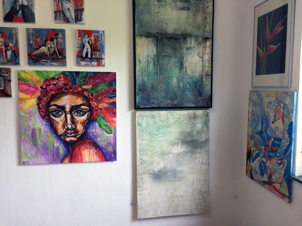 Gudrun Tischler, wonderfulART, Künstler, artist, abstrakte Malerei, Marmormehl, Baumaterial, Acrylfarben, Pigmente, Rost