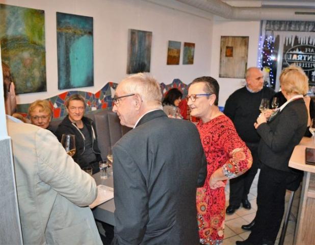 Gudrun Tischler, artist, Künstler, wonderfulART, process painting of intuitive power, Struktur trifft Farbe, abstrakte experimentelle Malerei
